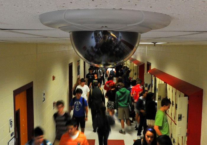 Являются ли камеры безопасности вторжением в личную жизнь?